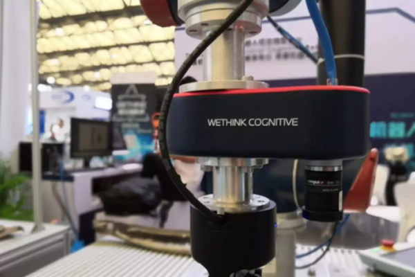 WeRobotics 2380激光线阵相机发布,机器人+3D视觉在自动化领域应用广泛 ()